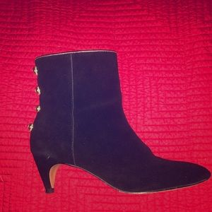 Shoes - Leather ankle boots with small heels